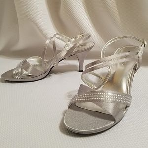 Metaphor Metallic Silver Jeweled Dress Heels Sz. 9
